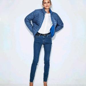 Discover Dandara💙 Parka reversible, confort y adaptación a tus necesidades✨ Te encantará!!  #dandara_spain #nuevo#moda #aw21 #modamujer#modaespañola#dandarastyle #parkas#parkareversible#lovefashion#fashions #confistyle#collections